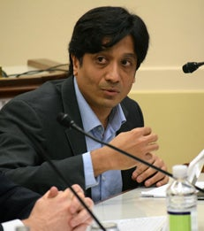 Arun Sundararajan Speaks Regulation of the Sharing Economy on a Congressional Panel article