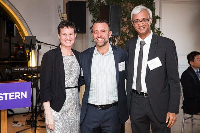 (center) Steve Blader, Kenneth G. Langone Professor of Business, with Vice Dean of Faculty Elizabeth Morrison (left) and Dean Raghu Sundaram (right)