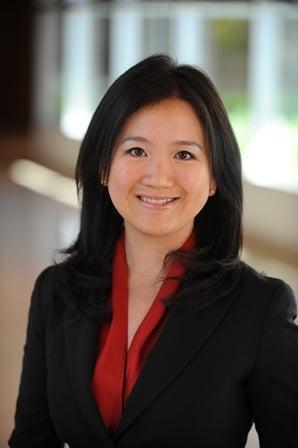 Jing Cynthia Wu Headshot