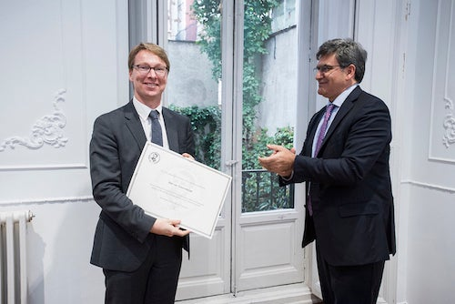 Professor Van Nieuwerburgh was awarded the 15th Edition of the Bérnácer Prize