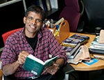 Damodaran at Desk 150x115