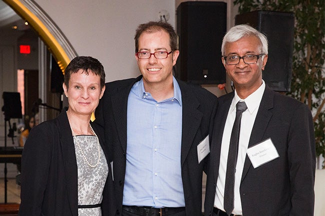 (center) Tom Meyvis, Merchants' Council Professor of Retail Management and Consumer Behavior
