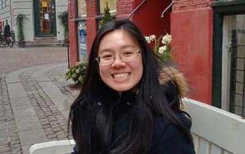 Yang Fu Smiling