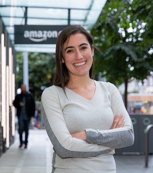 Alejandra Flores (MBA '14) thumbnail