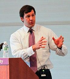 Eric Varvel of Credit Suisse speaks on economic uncertainty at Graduate Finance