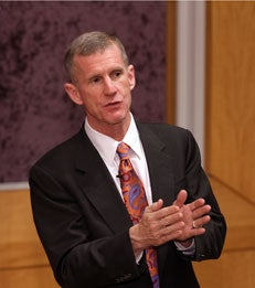 General Stanley McChrystal speaks to TRIUM students and alumni_article