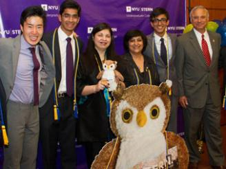Honors students posing with Dean Menon