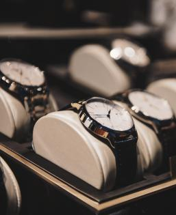 mbaadmissions_watches_03